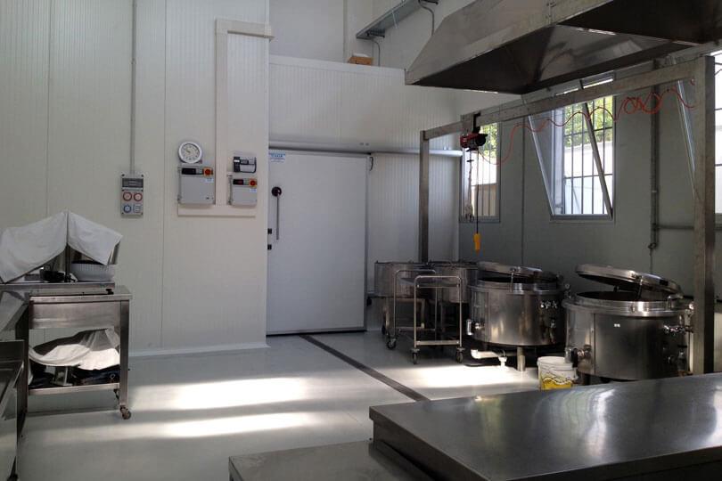 IL NUOVO LABORATORIO: UNA PARTE L'innovativa cottura a vapore, che mantiene il vero sapore di qualunque ingrediente (sempre naturale). Via Enzo Ferrari, 17 - 47838 Riccione (RN)