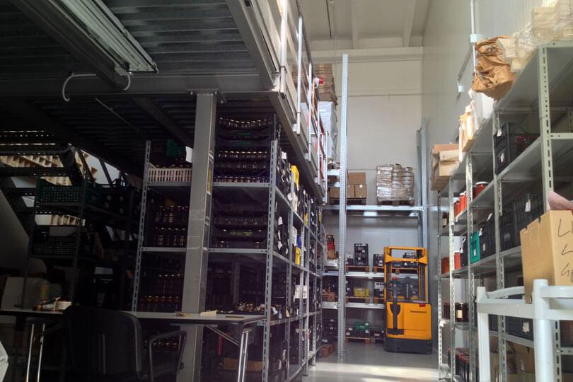 IL MAGAZZINO: UNA PARTE Molto piu' spazio per la conservazione di ingredienti (piu' celle frigorifere) e prodotti finiti. Via Enzo Ferrari, 17 - 47838 Riccione (RN)